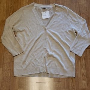 NWT vee neck button down cream cardigan